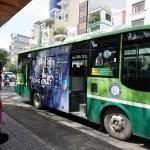 """Giá cao, quảng cáo trên xe buýt tại TP.HCM bị """"ế""""."""