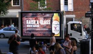 Quảng cáo màn hình LED trên xe tải